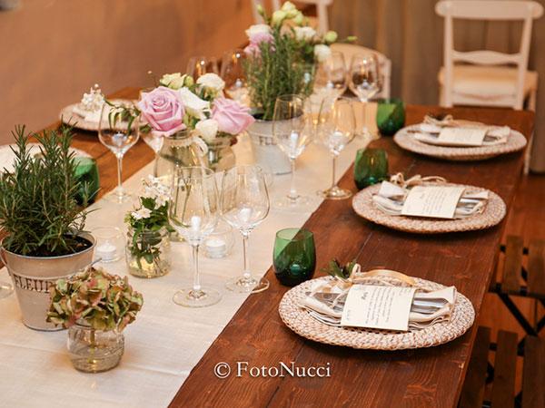 Dea Party invita i futuri sposi, sabato 3 dicembre, ad una cena degustazione gratuita