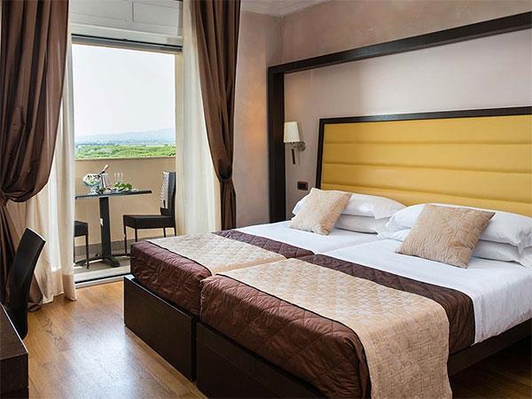 Uno sconto del 10% è riservato agli sposi e ai loro parenti sul prezzo delle camere del Park Hotel Marinetta