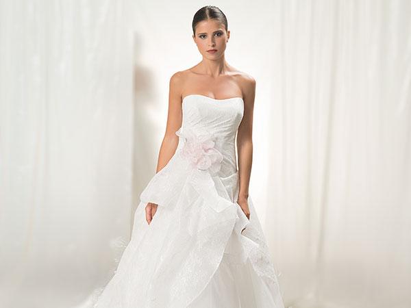 Una pioggia di sconti per chi sceglie l'abito da sposa da PerLe Spose di Bra in provincia di Cuneo