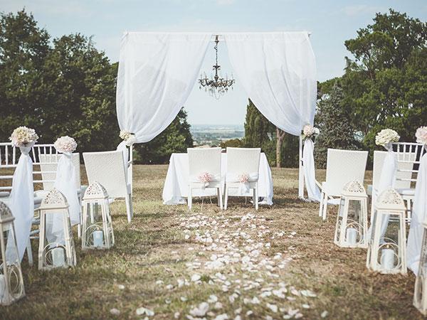 Speciali offerte per i mesi da aprile a luglio da Idee d'Autore wedding planner