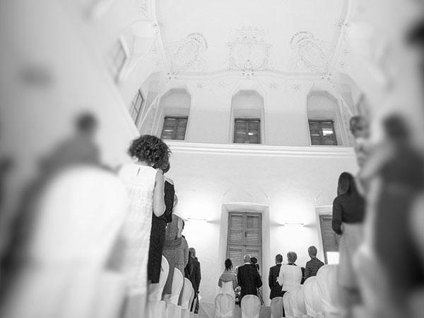 Stefano Paganini alla Corte degli Alfieri offre ad un prezzo speciale la degustazione del menù nuziale e omaggia la sala per il rito civile