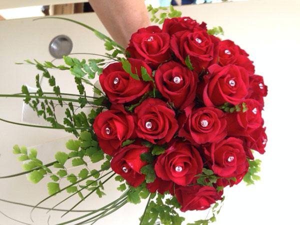 Armando Vivai offre in omaggio il bouquet per la sposa e quello da lancio su una spesa minima...