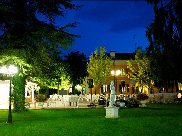 Con la prestigiosa location Villa Fondo Tagliata si può risparmiare sino a 500 Euro sulle date disponibili!