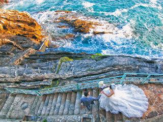 Un coupon viaggi per 2 persone in omaggio scegliendo il pacchetto Premium Foto & Video di Foto Bouquet