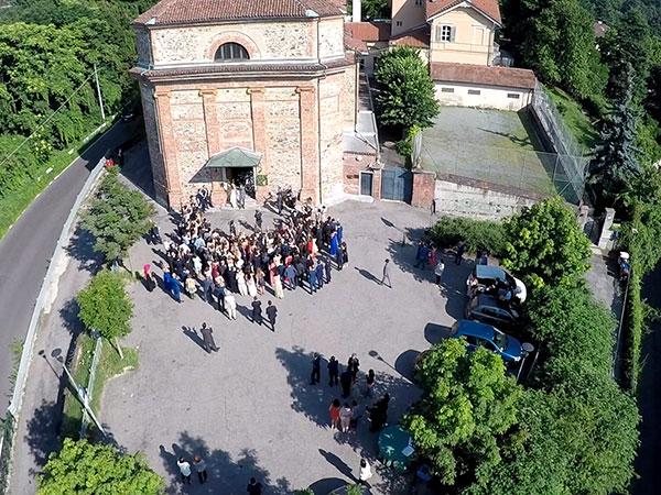 I Droni Torino per gli sposi che prenotano le riprese aeree del matrimonio offre un prezzo davvero interessante