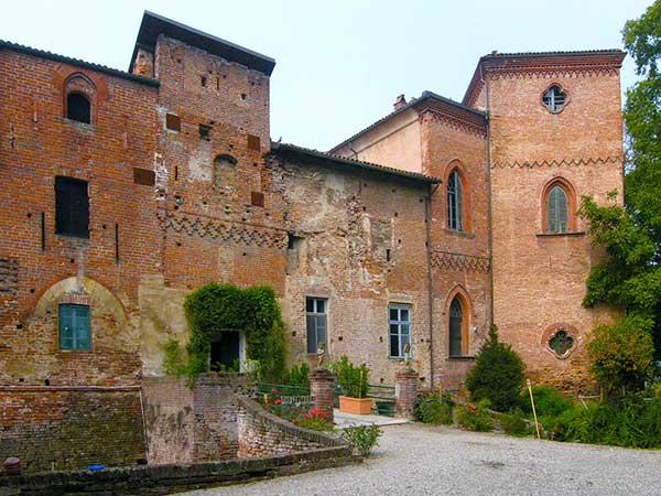 Castello di Sannazzaro
