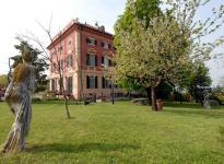 ' .  addslashes(Villa Viola) . '