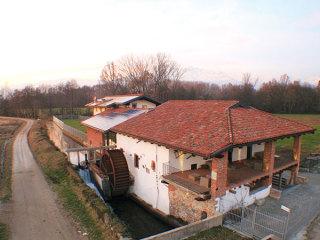 Il Vecchio Mulino di Bairo offre l'affitto della location a un prezzo speciale e la camera per gli sposi in omaggio