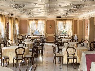 I menù feriali e fuori stagione vengono proposti da Villa Salzea a partire da 55 euro