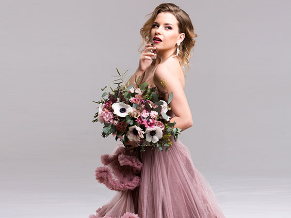 Unconventional wedding dress: abiti da sposa colorati per un bridal look alternativo