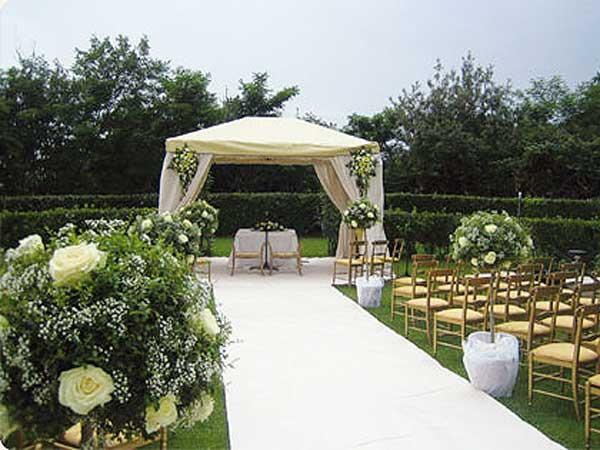 Festeggiando le nozze da Lucio d'la Venaria avrete il soggiorno con spa per gli sposi in omaggio