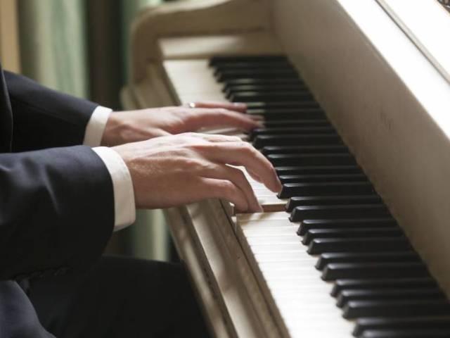 Samuele, pianista per eventi e cerimonie