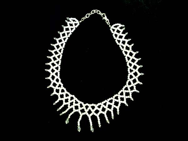 Orecchini in omaggio agli sposi che acquistando la parure collier e bracciale da Valeria Bijoux Swarovski