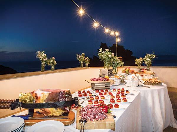 Aliante Catering ed Eventi propone varie formule di menù matrimonio con prezzi a partire da 50 euro
