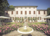 ' .  addslashes(Villa Roveri) . '