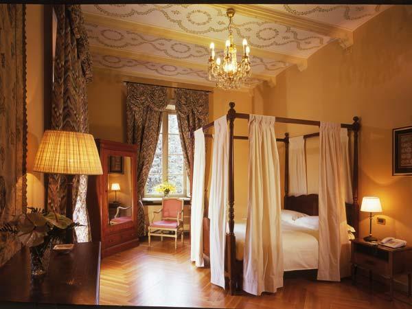 Il pernottamento nella suite è in omaggio per gli sposi che scelgono la location Sina Villa Matilde