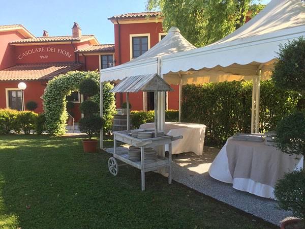Deliziate i vostri piccoli ospiti con menù a loro dedicati a partire da 10 euro al Casolare dei Fiori