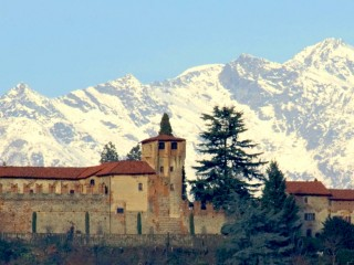' .  addslashes(Castello di Moncrivello) . '