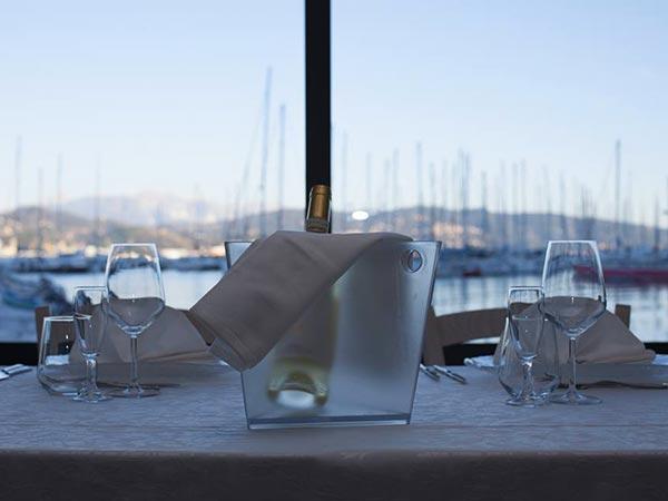 Il Tritone Ristorante propone vantaggiosi prezzi per banchetti di nozze nei giorni feriali o fuori stagione