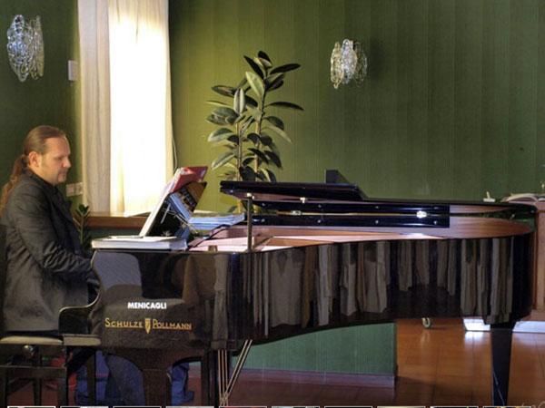 Note for You propone il pacchetto completo con  accompagnamento musicale in chiesa e dj a prezzi vantaggiosi