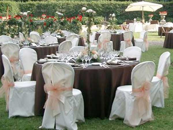 Scegliete le Due Lanterne per il vostro banchetto di nozze e avrete la cena del primo anniversario in omaggio
