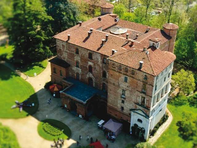 Affittate il Castello di Pralormo per il ricevimento di nozze in giorni feriali e fuori stagione a prezzo scontato