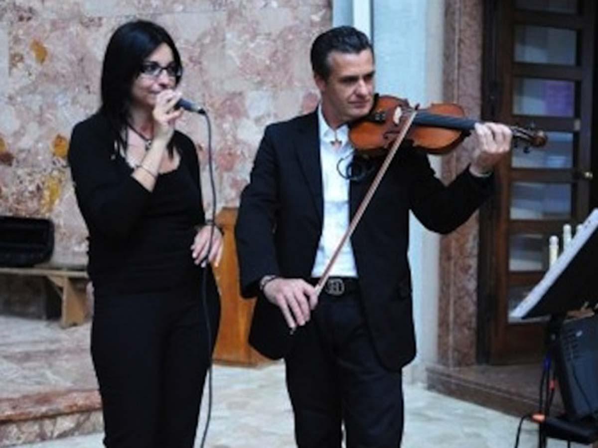 """Scegli per l\'accompagnamento musicale il pacchetto """"Music Full"""" del Duo Incanto a un prezzo vantaggioso"""