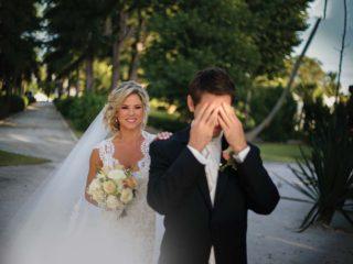 First look: gli sposi di Torino scelgono di incontrarsi prima delle nozze per un romantico shooting fotografico