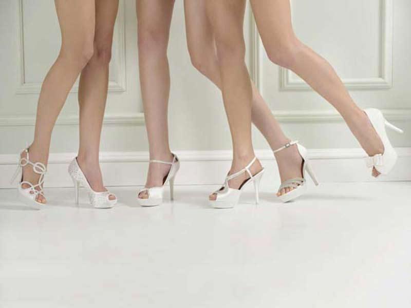 Acquistando l'abito da sposa presso l'Atelier Lucente avrai in omaggio le scarpe a scelta dall\'assortimento