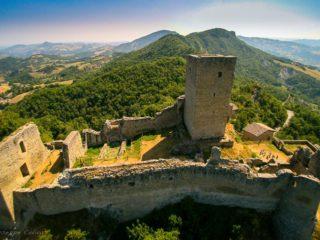 ' .  addslashes(Castello di Carpineti) . '